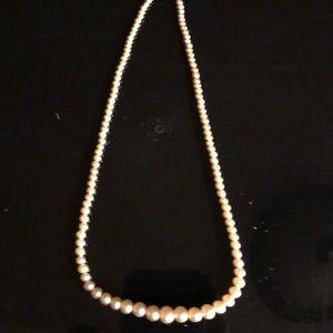 Vintage 1950's single strand of pearls